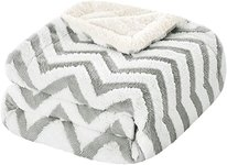 $6.30 HOMEIDEAS  Sherpa Blanket Throw for Couch/Sofa Warm Soft  Fleece Blanket 50X61 Inches Wav…